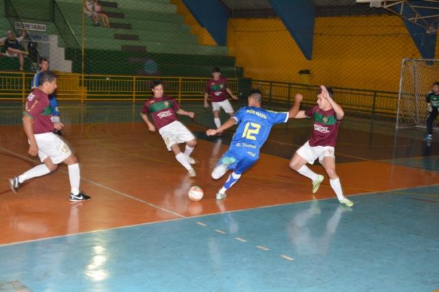 3f17e80df7689 Em 2015, equipe da Diretoria de Esportes conquistou o título da Copa  Lençóis de Futsal (foto Wagner Gonçalves/Assessoria de Comunicação e  Cerimonial)